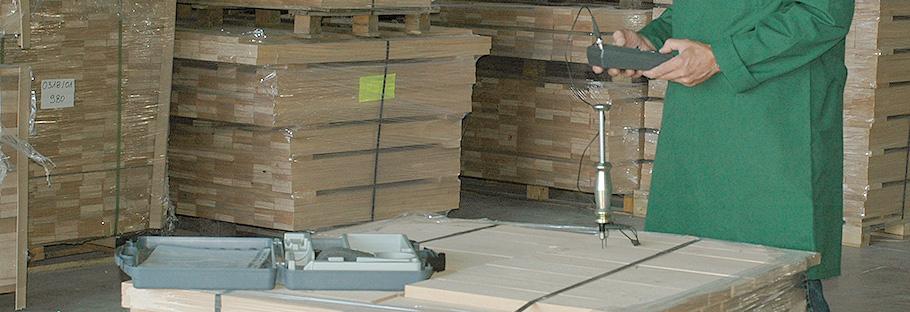 <p>Мы отличаемся тщательным отбором древесины.</p> <p>И так рождается наше качество.</p>